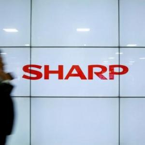 夏普被收购后首次宣布投资计划 拟对OLED产品线投资5.7亿美元